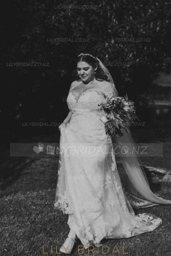 Strapless Lace Tulle Plus Size Wedding Dress With Crystal Beaded Sweetheart Neckline