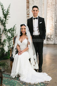 Stunning Lace Edge Hip Length Single Layer Wedding Veil