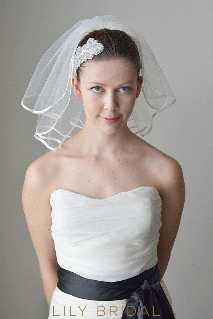 cute shoulder length veil