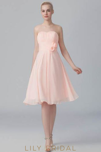 Sweetheart Strapless Ruched Chiffon Short Bridesmaid Dress With Corsage