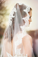 Single Tier Hip Length Wedding Veil with Lace Applique