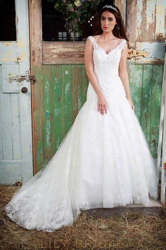 Trumpet V-Neck Lace Tulle Bridal Dress With Sweep Train
