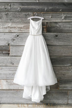 Tulle Bateau Neckline A-line Sleeveless Wedding Gown