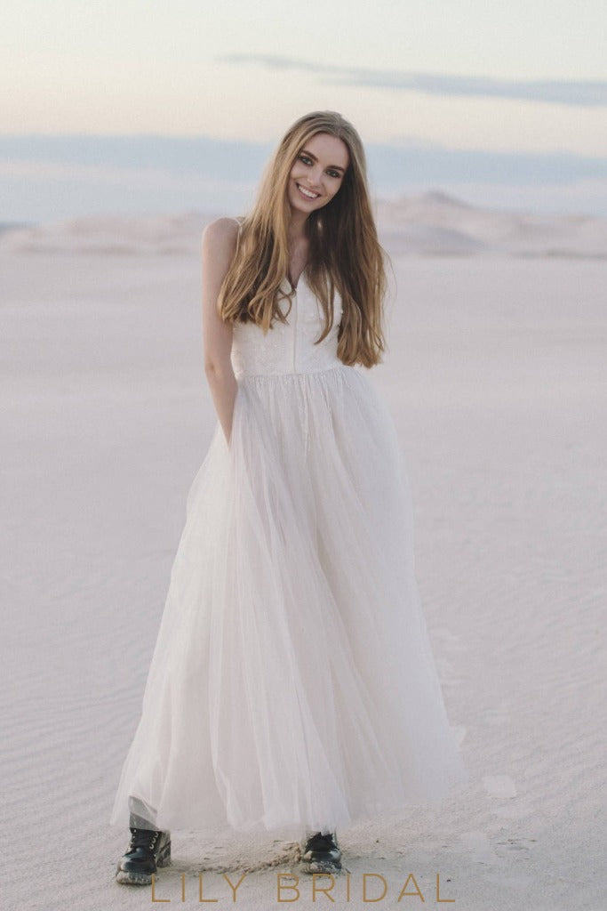 A-Line Tulle Beach Wedding Dress with straps Sweetheart Neckline