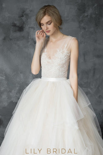Tulle Lace Appliqued with Chapel Train V-Back Design Wedding Dress
