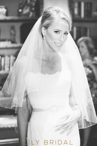 Two Layer Pencil Edge Hip Length Bridal Veil With Beads