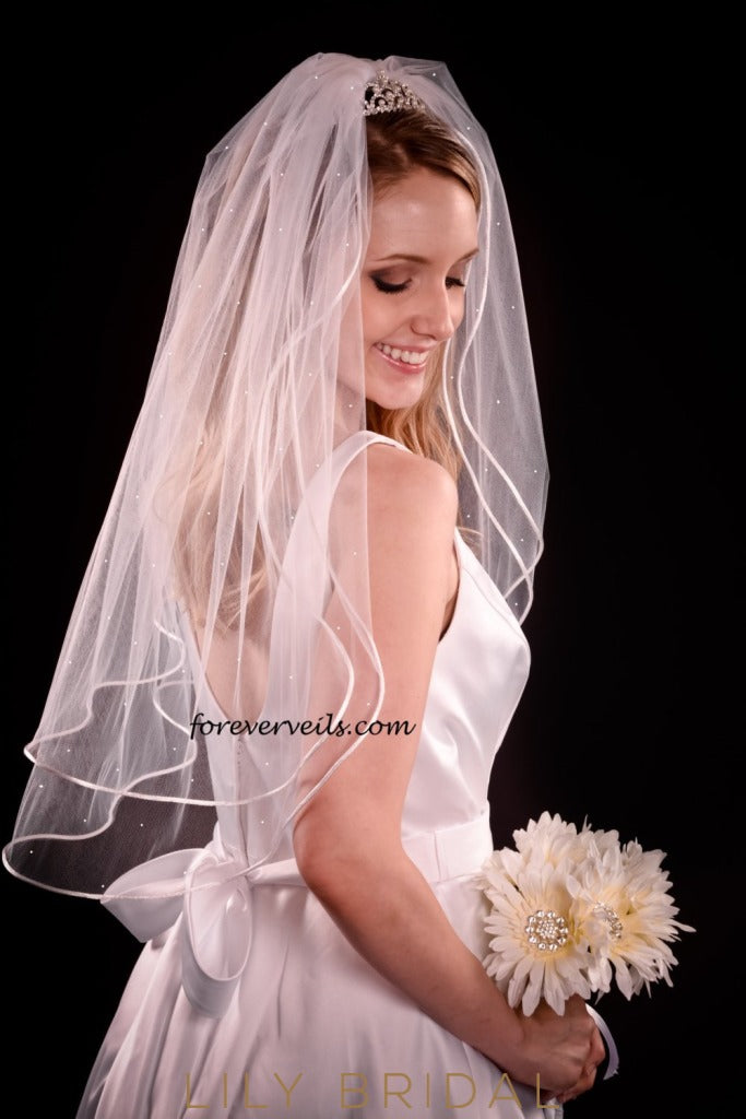 weeding veil with pearl scattered
