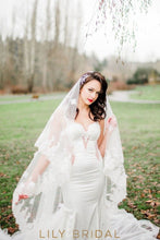 Grand Double Tier Weeding Veil with Lace Applique Scattered