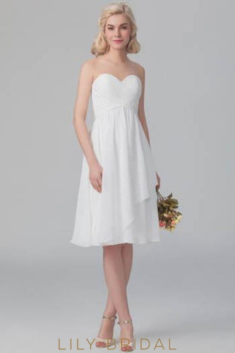 White Sweetheart Strapless Chiffon Overlap Short Bridesmaid Dress With Ruching
