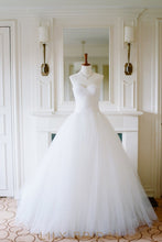 White Tulle Ball Gown Wedding Dress