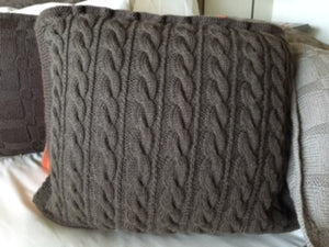 Publications - Nutmeg Knits - Cable Cushion