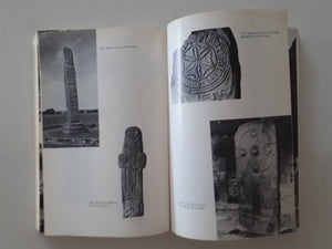 The Archaeology of Late Celtic Britain and Ireland by Lloyd Laing