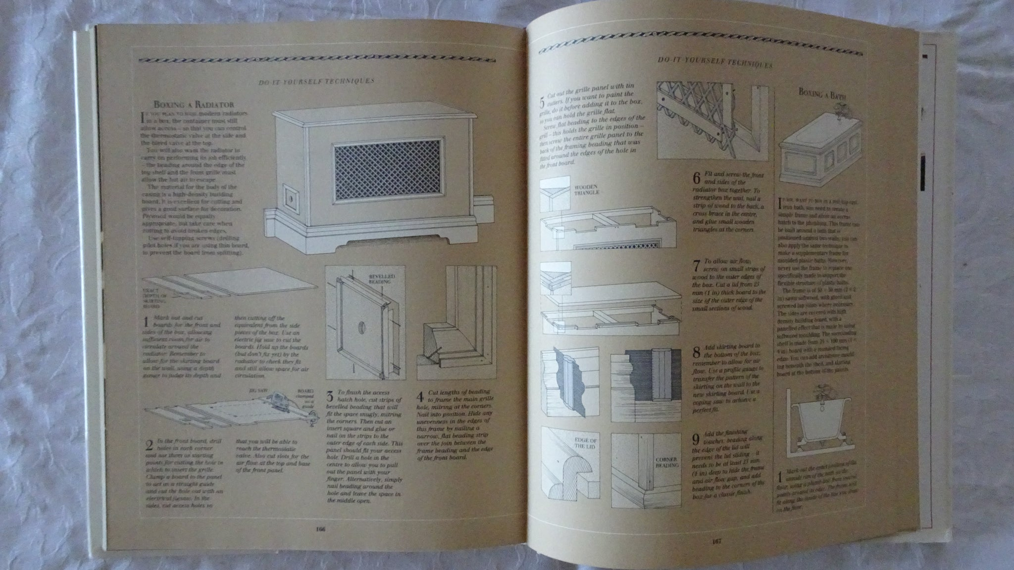 The country style decorating book by miranda innes morgans rare books the country style decorating book by miranda innes solutioingenieria Images
