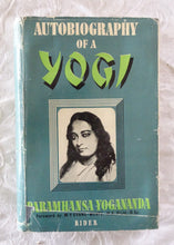 Load image into Gallery viewer, Autobiography of a Yogi by Paramhansa Yogananda