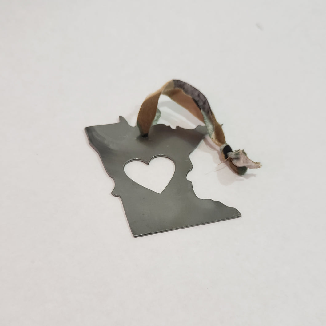 Minnesota Camo Rustic Metal Heart Ornament
