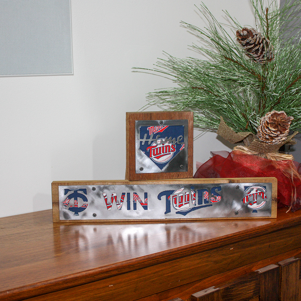 Minnesota Twins Rustic Wood & Metal Home Decor Sign Fan Pack