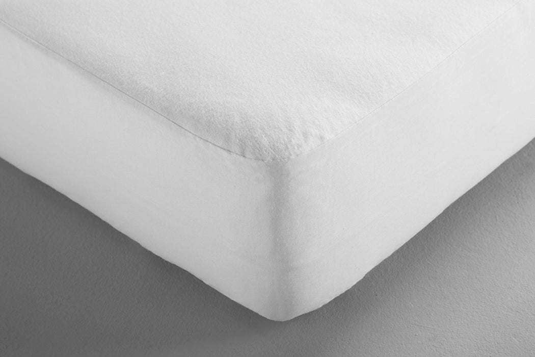 Dormisette Q134: A waterproof Molton fibre fitted sheet, size 90/190 - 100/200cm, white.