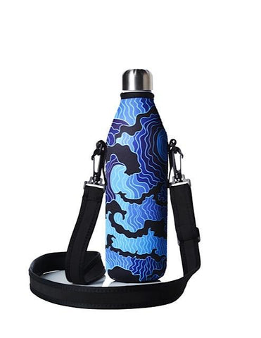 TRVLR by BBBYO carry cover - with shoulder strap - 750 ml - Tsumi print