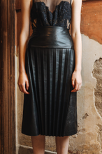 Load image into Gallery viewer, Pleated Leather Skirt