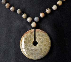 Sea Fossil Coral Jade Indonesia Crystal Stone Pendant with Beads Necklace - CJ10115