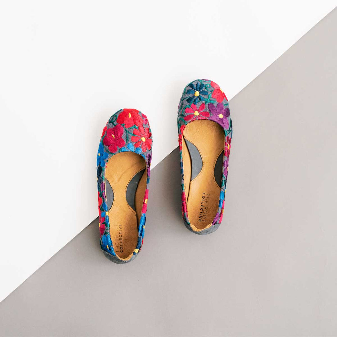 Gaby Flat in Embroidered Floral