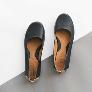 Gaby Flat in Pebbled Black Leather