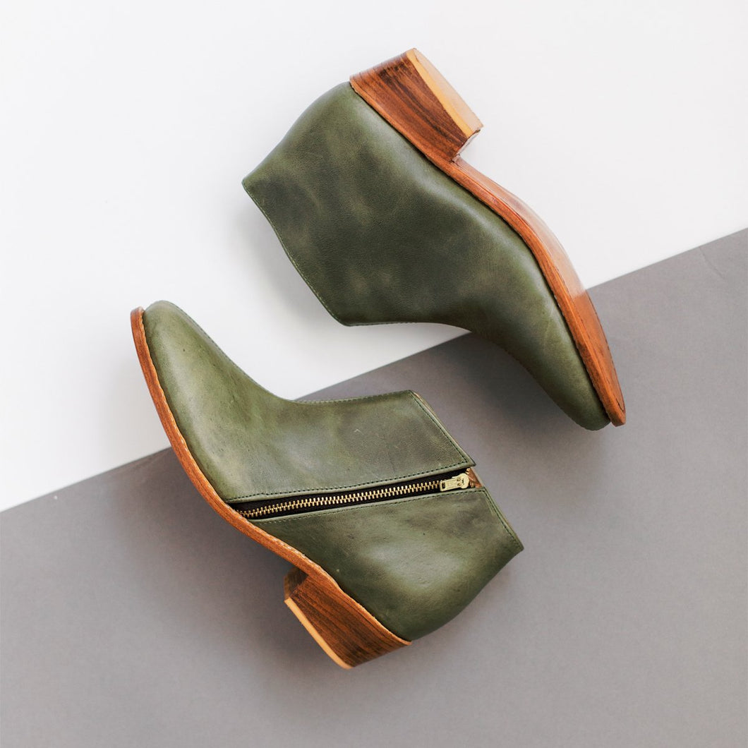 Lizzie Boot in Olive