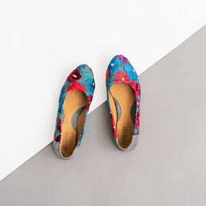Thea Flat in Embroidered Floral