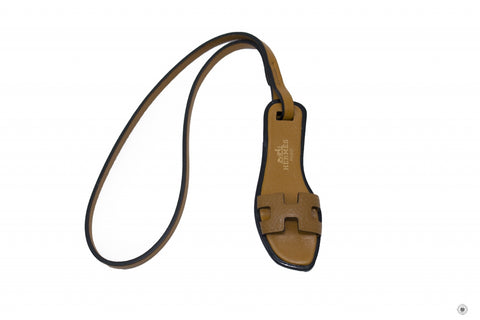 hermes-h-bag-accessory-oran-epsombutler-calfskinhunter-co-epsom-charms-IS036587