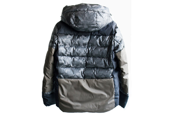 Moncler 41853-57623 Kander Nylon Camo Down Jacket Green Camo / 925 1 Jackets