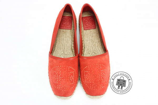 tory-burch-kirby-suede-mini-studs-shoes-IS032559