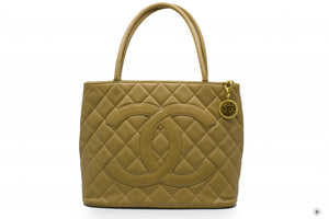 chanel-a-classic-cc-medallion-caviar-tote-bag-ghw-IS036531