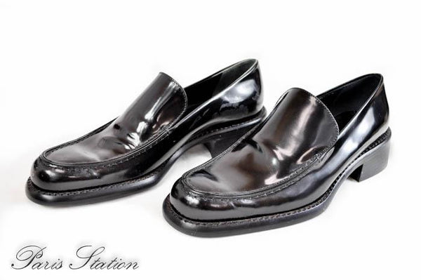 Prada Black Patent Leather Shoes Size 5/35