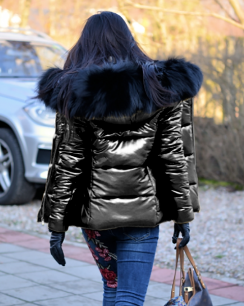 Women Black Short Down Coat Black Fur Warmful Jacket