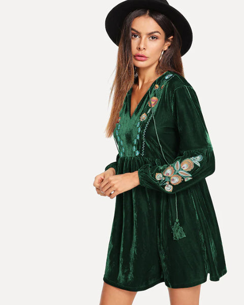 Roiii summer fashion v-neck embroidered  slim hot sell long sleeve green color dresses