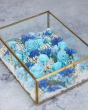 TIFFANY Jardin Infinity RosesⓇ Arrangment - Verre Bijoux (HYDERABAD ONLY)