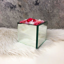 Preserved Flowers in Silver Box - La Glace: Silver in Pink