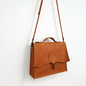 'The Lifestyle' with vintage key - Tan - Coterie Leather Bags