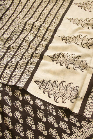 Black with Beige Bagru Print Mul Cotton Saree