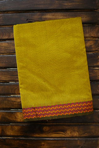 Yellowish Green with Thread Border Maheshwari Silk Cotton Saree