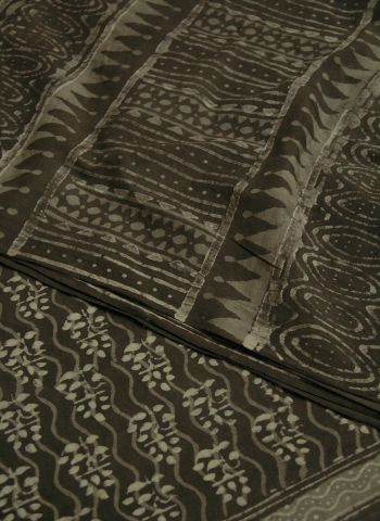 Grey With Weave Border Dabu Print  Mul cotton Saree