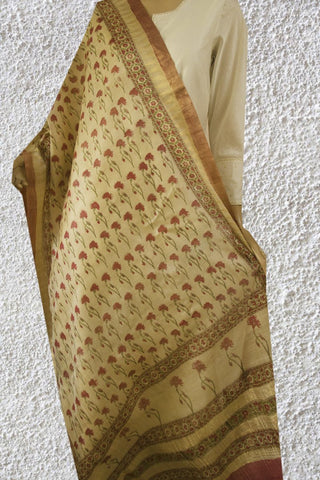 Peach with Green Daisy Flower Tussar Silk Dupatta