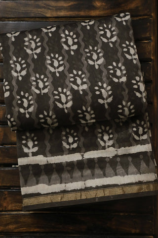 Grey with Off White Dabu Print Chanderi Saree