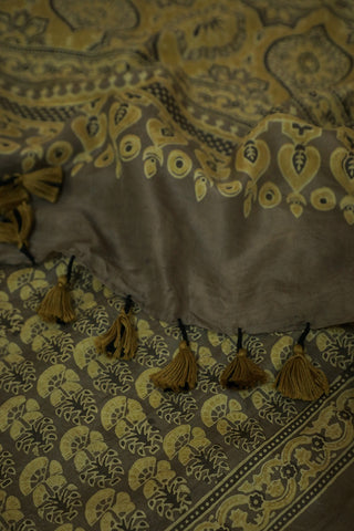 Double Shade Yellowish Grey Mulberry Silk Ajrak Stole