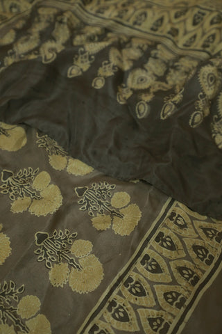 Big Daisy Flower Mulberry Silk Ajrak Stole