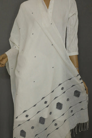 Black in Off White Bengal Jamdani Stole