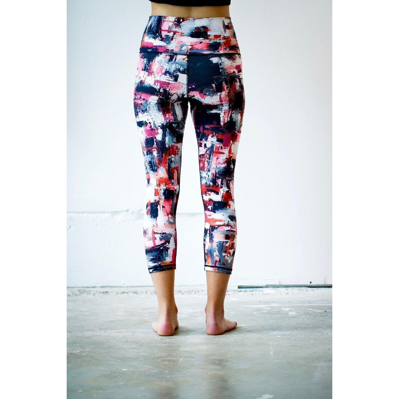Black Gray Pink Solid Yoga Capris