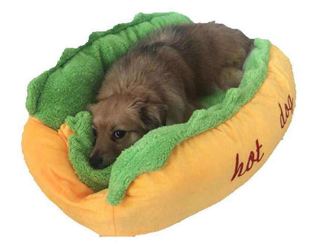Charlie Buddy - Hand picked products for your dogs and cats-Hot Dog Sofa Bed!