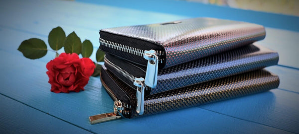 Slimmest wallets for men, men's wallets, leather cardholder, leather wallet, carbon fiber wallet, carbon fiber leather, slim wallet