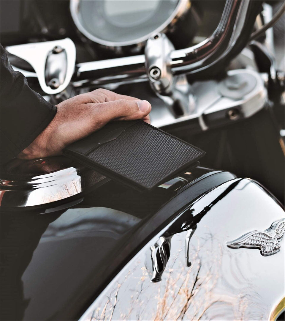 coldfire-moto-guzzi-california-carbon-fiber-wallet